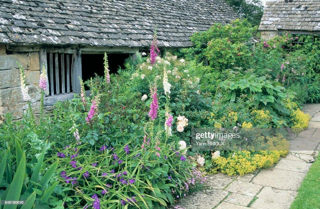 Maison Et Jardin Fleuri News Photo Getty Images