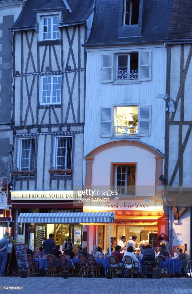 Terrasse Cafe La Nuit Poitiers France Pictures Getty Images