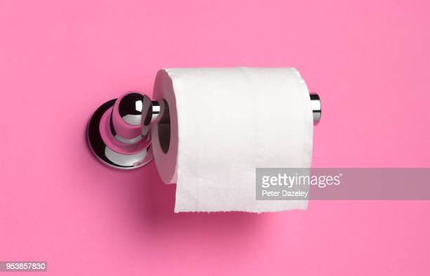 TOILET ROLL HOLDER ON PINK