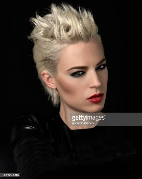 blonde woman with red lips and short hair - smokey eyeshadow stock pictures, royalty-free photos & images