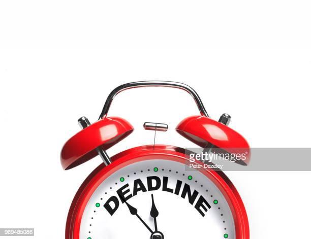 deadline approaching clock ticking - prazo imagens e fotografias de stock