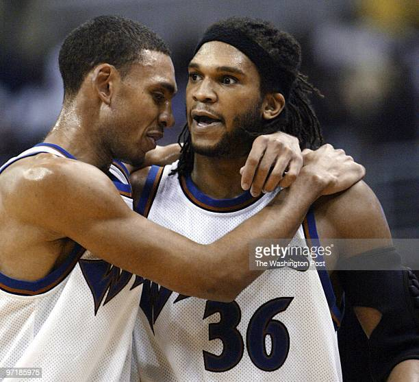 S JARED JEFFRIES TRIES TO CALMS DOWN ETAN THOMAS AFTER DOUB LE TECHNICAL W/ IRA NEWBIE IN THE 2ND HALF