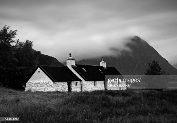 BLACKROCK COTTAGE B/W
