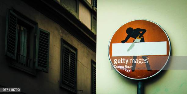 stop - baum stock pictures, royalty-free photos & images