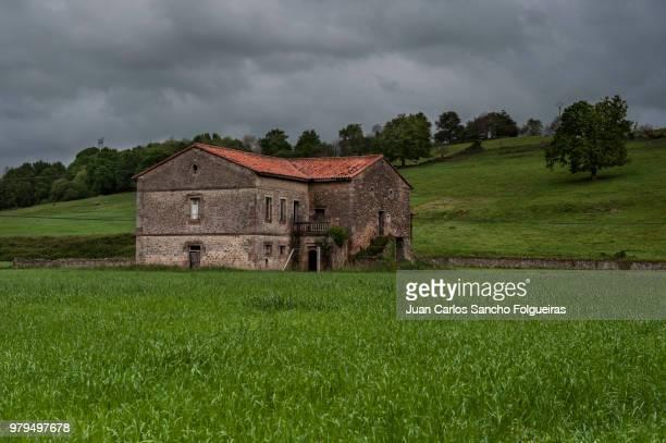 casa en el prado - sancho photos et images de collection