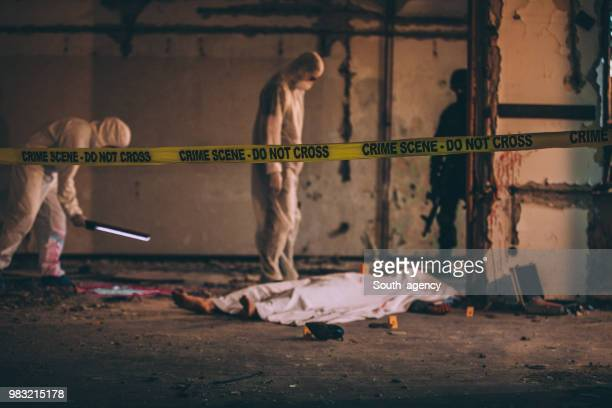 csi - dead body stockfoto's en -beelden
