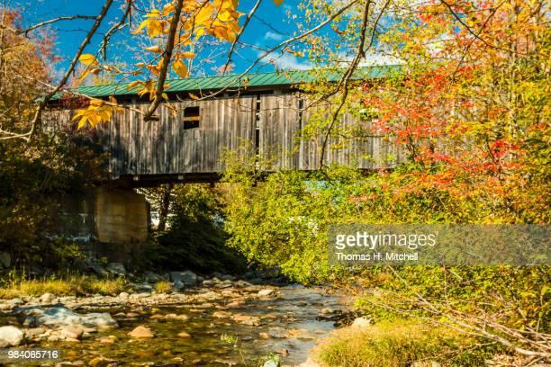 vt-jefferson-grist mill bridge - brook mitchell foto e immagini stock