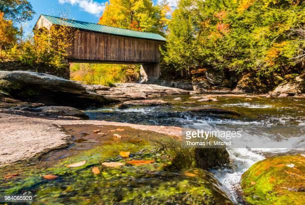 vt-waterville-montgomery bridge - brook mitchell foto e immagini stock