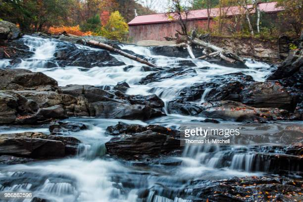 vt-thetford-sayers bridge - brook mitchell stock pictures, royalty-free photos & images