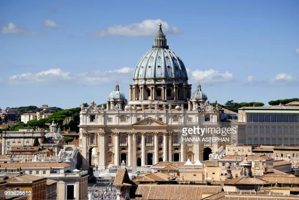 photo taken in roma - italia 2015. - state of the vatican city stock pictures, royalty-free photos & images