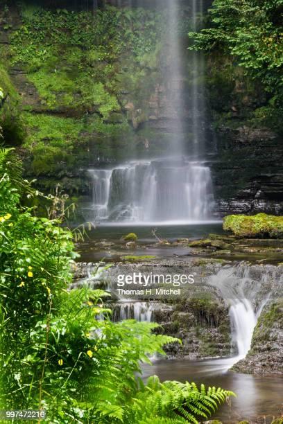northern ireland-glencar waterfalls - brook mitchell foto e immagini stock