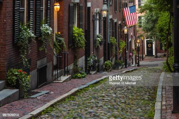 MA-BOSTON-BEACON HILL-ACORN STREET