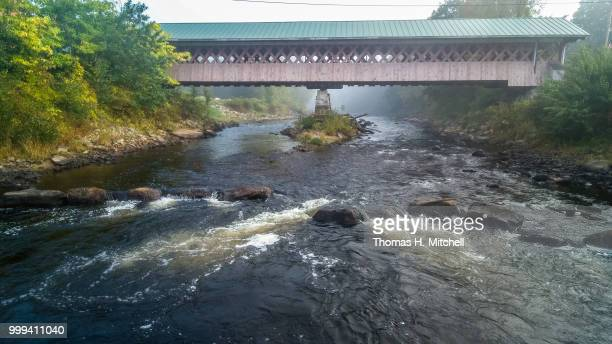 nh-#5-w. swanzey-thompson bridge - brook mitchell foto e immagini stock