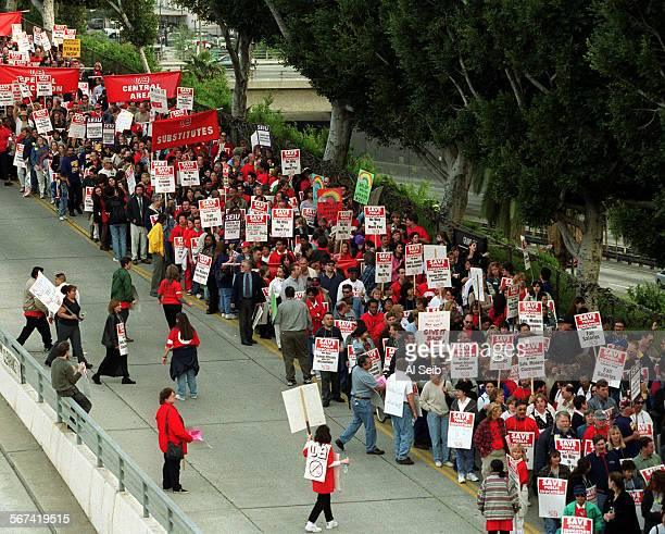 ME0328utla1AS Several Thousand teachers from the LA Unified School District depart LAUSD headquarters at 430 this afternoon as they march to Pershing...
