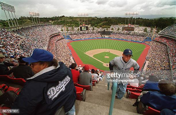 SP0414dodgers 11––View from the upper deck at Dodger Stadium on opening day as the Dodgers hosted the Cincinnati Reds on Friday Apr14 2000