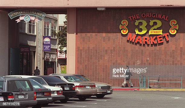 ME0519usc1rm Photo shows part of the University Village shopping center whichr has been purchased by USC The Original 32 Street Market is a major...