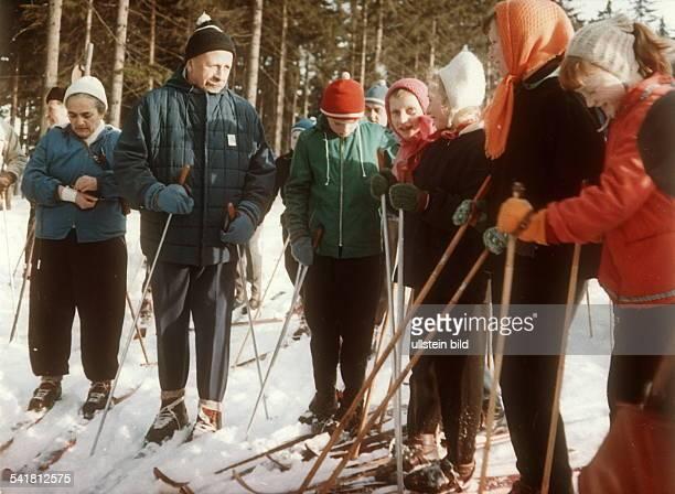 56 Hochwertige Lotte Walter Ulbricht Bilder Und Fotos Getty Images