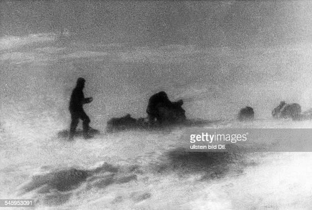 *01111880November1930Polarforscher Geophysiker Meteorologe DGrönlandexpedition 1930Aufnahme während eines Schneesturms