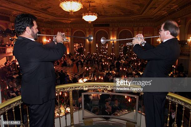 SO1111diroll4AR The Los Angeles Master Chorale's Annual black tie galaTinseltown Ball honored Music Director Paul Salamunovich on saturday 11/11/00...
