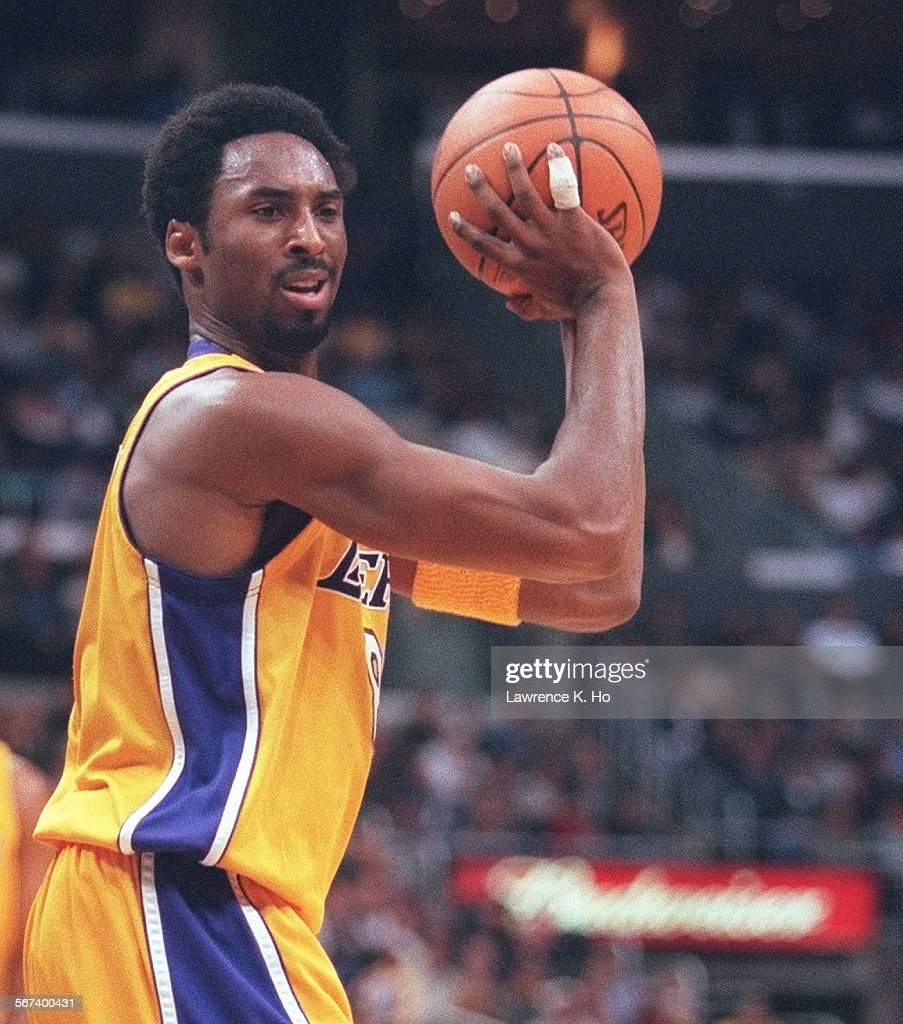 0197891124kers3lh the lakers kobe bryant during game against lh the lakers kobe bryant during game against the minnesota timberwolves at staples center voltagebd Images