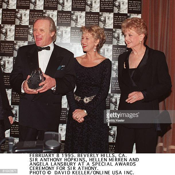 Tony Hopkins Receives A Special Awardds From Bafta In Beverly Hills With Him Were Hellen Mirren And Angela Lansbury