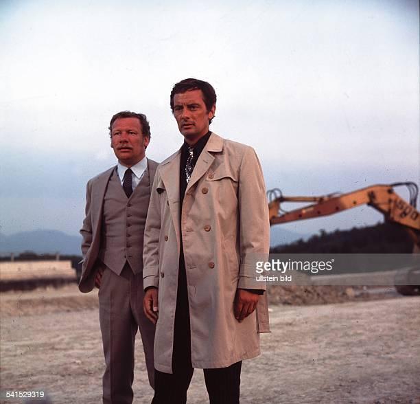 Schauspieler Großbritannienzusammen mit Wolfgang Völz in einer Szene der Serie Paul Temple nach der Vorlage von Francis Durbridge 1970