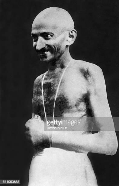 *02101869Gandhi Mahatma *02101869Politiker IndienFuehrer der indischen Unabhaengigkeitsbewegung Halbportrait 1930