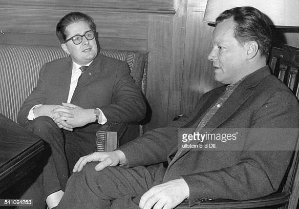 Politiker SPD BRDder SPDBürgermeisterkandidat fürMünchen im Gespräch mit dem RegierendenBürgermeister von Berlin Willy Brandt