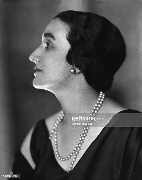 *03031880nee Norina Gillifrom 1924 Princess MacciabelliActress Italy Portrait Vintage property of ullstein bild