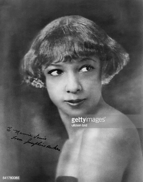 *Tänzerin und Sängerin USA / F Porträt mit einer Widmung von J B anMamie Louis vermutlich Anfang der 20er Jahre undatiert