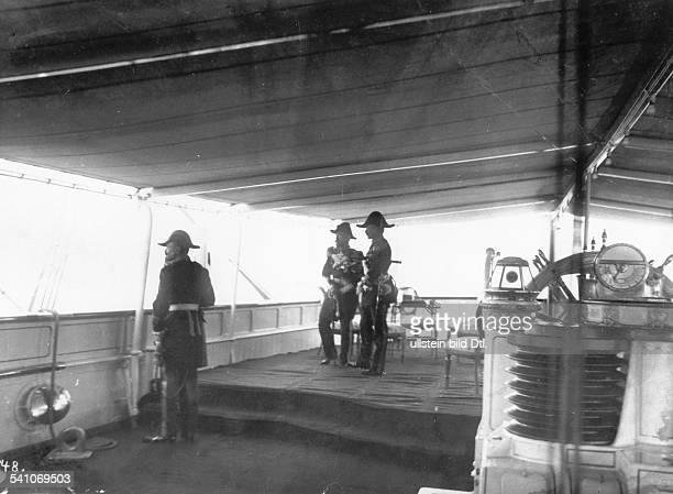 27011859 Deutscher Kaiser 1888 1918König von PreussenTreffen Wilhelms II mit ZarNikolaus II in der Bucht vonBjörkö 1905