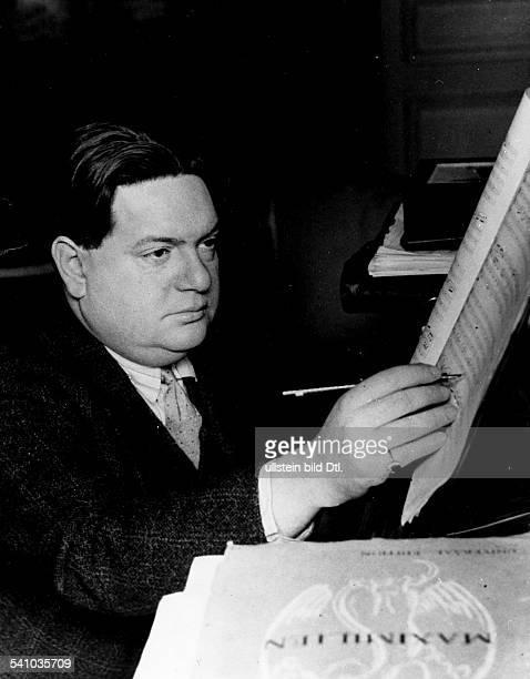 *04091892Musiker Komponist Frankreichbeim Komponieren veröff Quer 3/1932