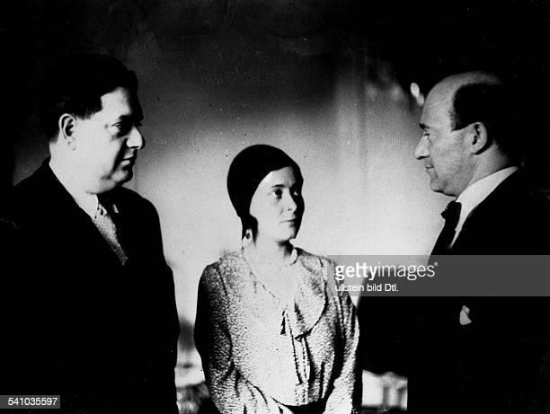 *04091892Musiker Komponist Frankreichmit seiner Ehefrau Madeleine und Generalmusikdirektor Erich Kleiber bei einem Empfang bei Lotte Schöne Mai 1930