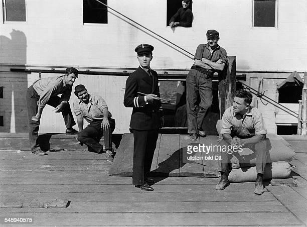 *04101895Schauspieler USAKeaton in Steamboat Bill jr Spielfilm USA 1928