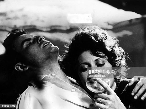 *Schauspieler Dmit Ann Wedgeworth in dem Fersehfilm 'Lohngelder für Pittsville' 1974