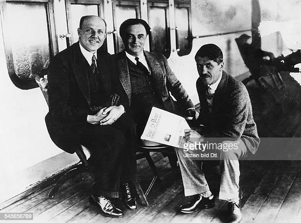 *05111895Musiker Pianist DGieseking mit Rudolf Laubenthal und N Orloff 1929