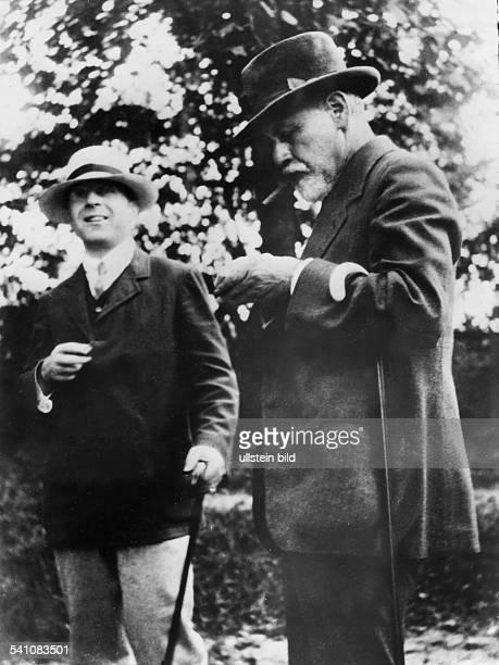 *06051856Wissenschaftler Psychoanalytiker Österreichmit dem britischen Psychoanalytiker Alfred Ernest Jones 1919