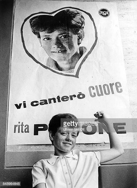 *Schlagersängerin ItalienPorträt November 1963