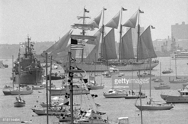 New York The 535footlong Chilean barquentine 'Esmeralda' is surrounded by small craft in New York harbor here July 4 during Operation Sail In left...