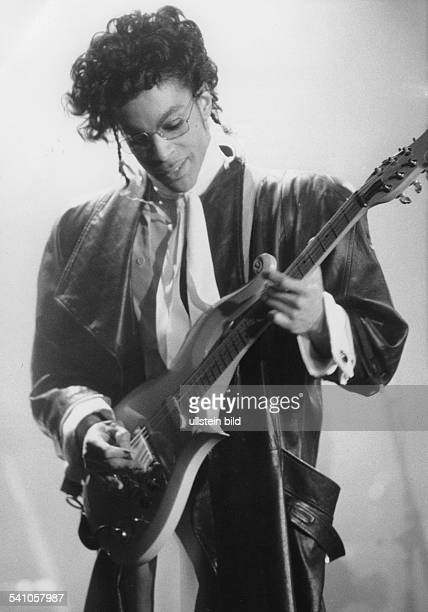 Sänger, Musiker, Produzent, Gitarrist; USAPorträt bei einem Auftritt in der Deutschlandhalle in Berlin- Mai 1987