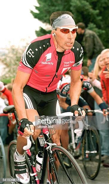 Sportler, Radrennen, DTeam Telekomin Aktion- Mai 2002