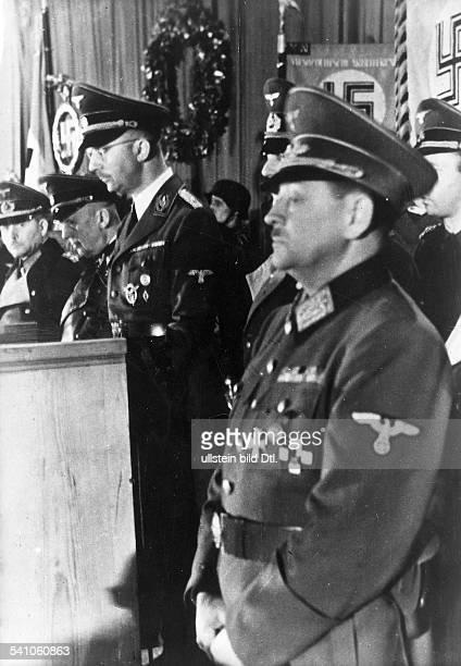 *Politiker NSDAP D während seiner Ansprache in Königsberganlässlich des 'Ersten Appells desDeutschen Volkssturmes' am Tag derVerkündung des Erlasses...