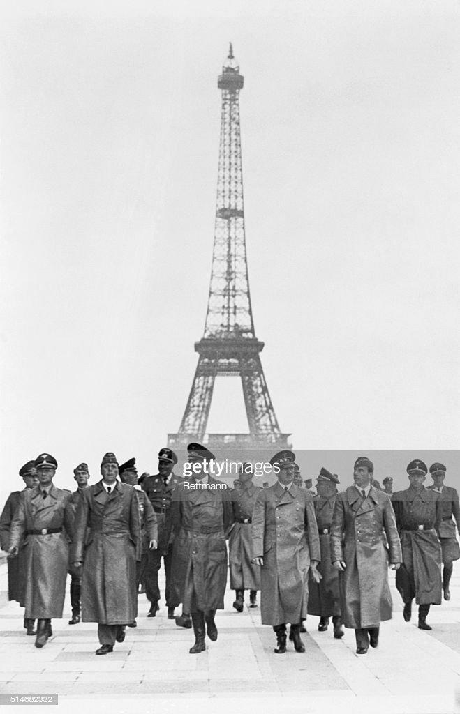 Hitler in Paris : News Photo