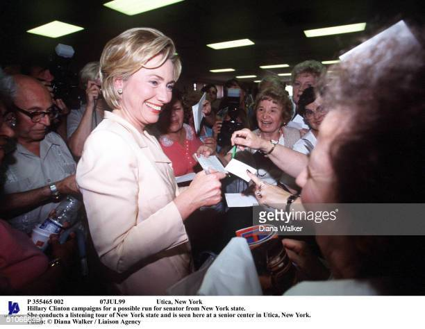 P 355465 002 07Jul99 Utica New York First Lady Hillary Clinton Campaigns For A Possible Run For Senator From New York State She Conducts A Listening...
