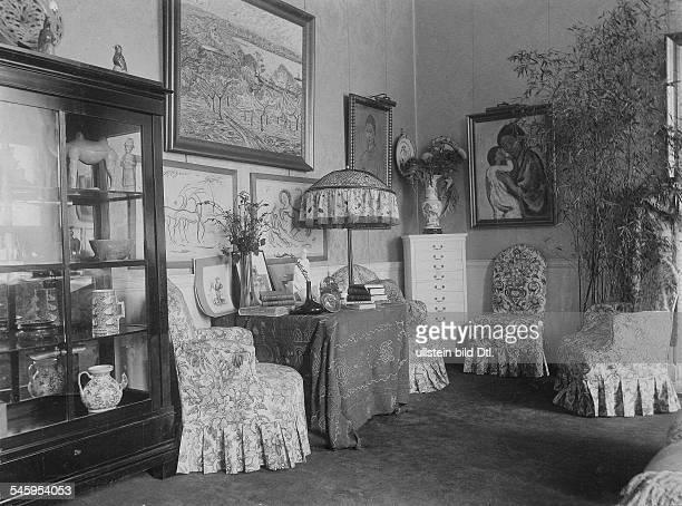 *08031879Schriftstellerin Dgeb Gräfin von ArcoZinneberg Salon der Fürstin im Palais der deutschen Botschaft in London 1913