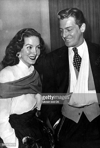 Schauspielerin, Sängerin, Tänzerin, Mexikomit dem argentinischen Schauspieler Carlos Thompson.- 1956