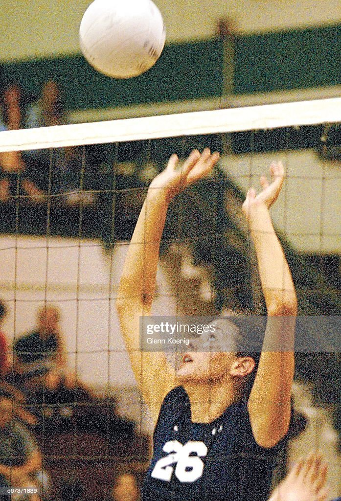 087915.SP.0928.chaparral.2.GMK Chaparral High girls volleyball middle blocker Kelli Tennant, goes up : News Photo
