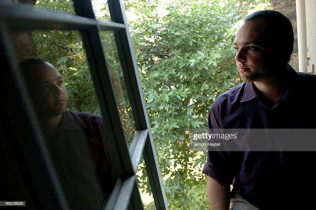 09/02/04-Jean-Paul Restoule teaches aboriginal studies at U of T. (Simon Hayter/Toronto Star)| : News Photo