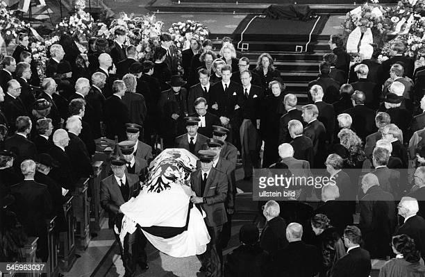 *Prinz von Preussen seit 1951 Chef des Hauses HohenzollernTrauerfeier im Berliner Dom für denverstorbenen Chef des HausesHohenzollern...