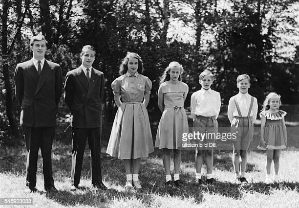 *Prinz von Preussen seit 1951 Chef des Hauses HohenzollernDie Kinder des Prinzen vlnr Friedrich Wilhelm Michael MarieCecile Kira jr Louis Ferdinand...